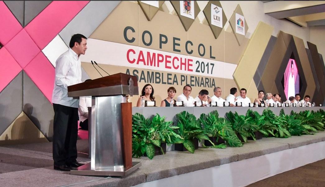 Miguel Ángel Osorio Chong de gira por Campeche. (Twitter @osoriochong)