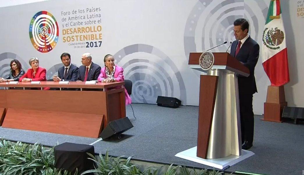 El presidente Peña Nieto habla en el Foro de los Países de América Latina y el Caribe sobre Desarrollo Sostenible 2017. (Twitter/ @PresidenciaMX)