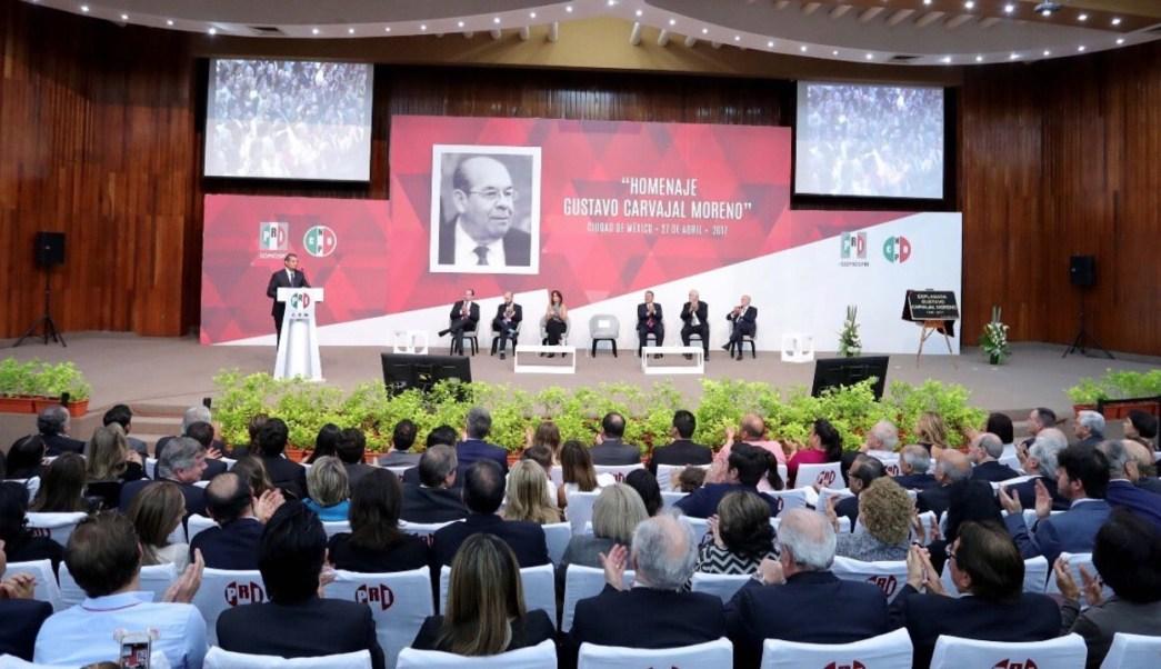 El PRI rindió homenaje a Gustavo Carvajal. (Twitter: @EnriqueOchoaR)