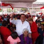 Óscar González Yáñez, candidato del PT a la Gubernatura del Edomex, visitó Tepetlixpa, durante el 322 aniversario luctuoso de Sor Juana Inés de la Cruz. (Twitter @OscarGonzalezYa)