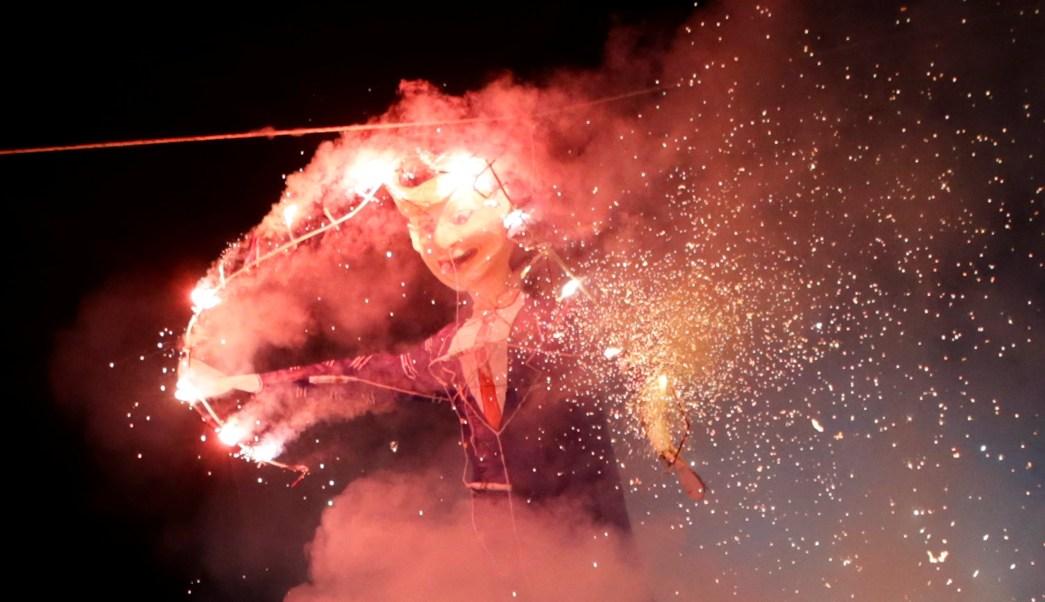 La quema de Judas es una tradición para cerrar la Semana Santa. (Reuters)