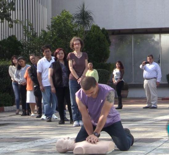 Treinta mil personas buscarán romper un récord Guinness dando Reanimación Cardiopulmonar (RCP) en 24 horas, el próximo domingo 7 de mayo, en el Zócalo capitalino