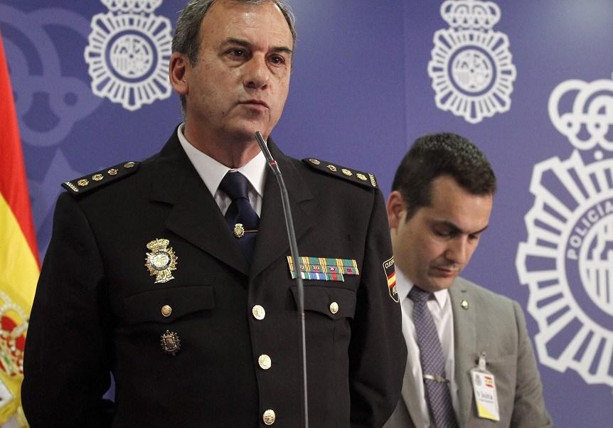 """El jefe de la Brigada de Investigación Tecnológica de la Policía Nacional de España, Rafael Pérez, informó sobre la operación """"Tantalio"""" para desmantelar una red de pornografía infantil por WhatsApp (EFE)"""