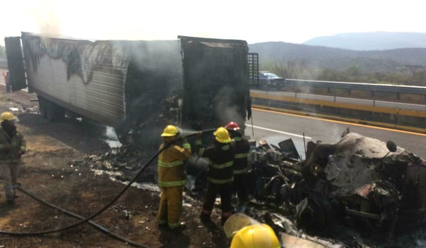 Trailer, Acapulco, Guerrero, Incendio, Autopista, Accidente