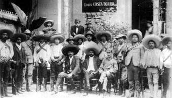 Emiliano Zapata posa junto a sus hombres; 'El Caudillo del Sur' será honrado con una cabalgata en Morelos (Getty Images, archivo)