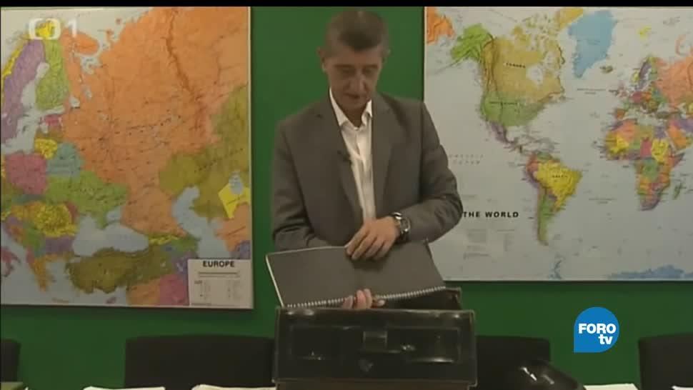 Republica Checa, renuncia, primer ministro, batalla electoral, politica, 15 años