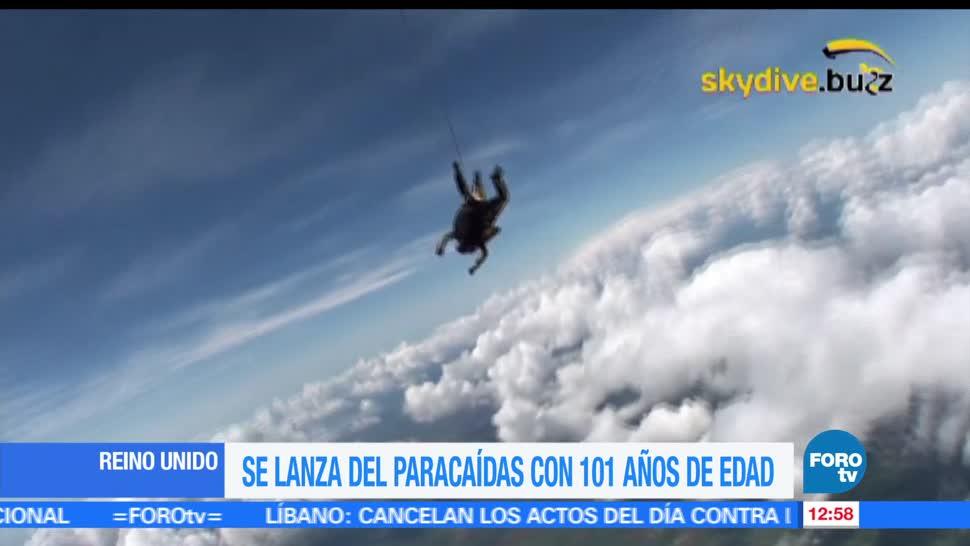 Verdun Hayes, veterano de guerra, 101 años de edad, lanzarse en paracaídas