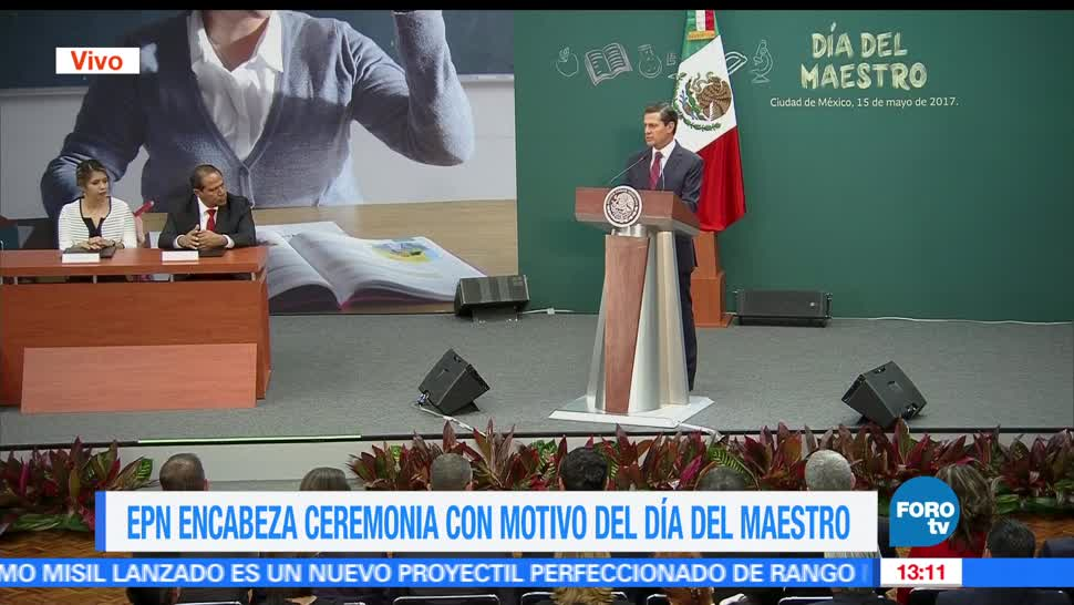 presidente de México, enrique Peña Nieto EPN, conmemora, Día del Maestro