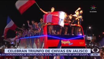 aficionados, triunfo de Chivas, Glorieta de La Minerva, Guadalajara,, CDMX
