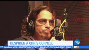 Compañeros de banda, vocalista Chris Cornell, cementerio, Hollywood Forever