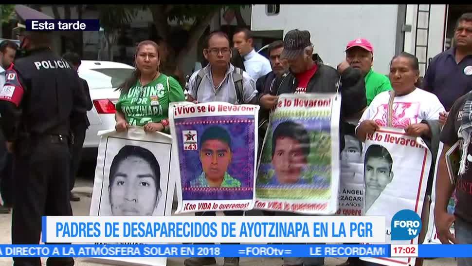 noticias, forotv, Padres, 43 normalistas, PGR, normalistas desaparecidos