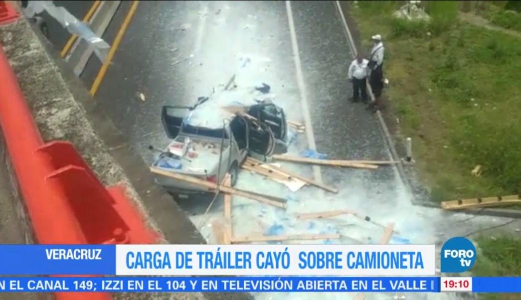 La camioneta circulaba sobre la carretera federal Veracruz-Xalapa. (FOROtv)