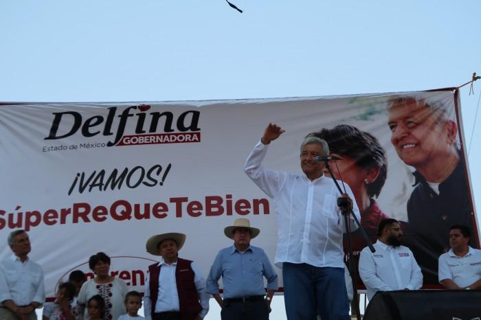 Agreden a AMLO en Veracruz; PRI, PAN y PRD condenan ataque