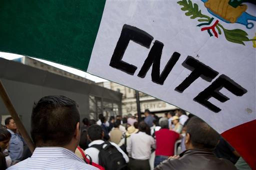 Protesta de integrantes de la CNTE. (AP, archivo)