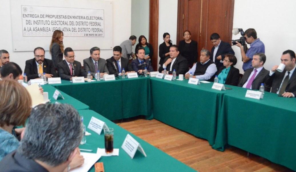El Instituto Electoral capitalino presenta iniciativa de ley a la Asamblea Legislativa. (Twitter: @DelgadilloJM)