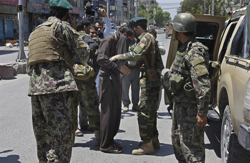 Afganistán, ataque, conflictos armados, radio, televisión, muertos