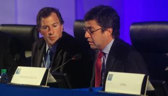 Antonio Meade, secretario de Hacienda, y Luis Alberto Moreno, presidente del BID