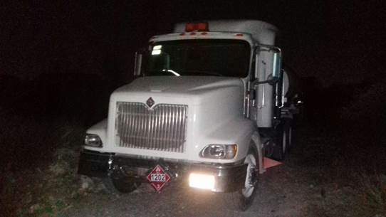 Camión cisterna con combustible robado en Nuevo León