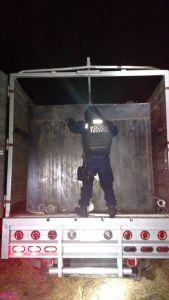 Cisterna cargada con miles de litros de combustible ilicito