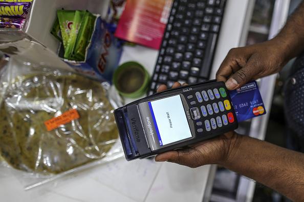 Inflación subirá hasta 5.9% en 2017: encuesta Banxico