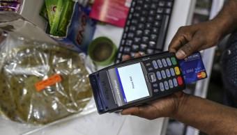 El crédito al consumo aumentó 4.9 por ciento anual, reportó Banxico