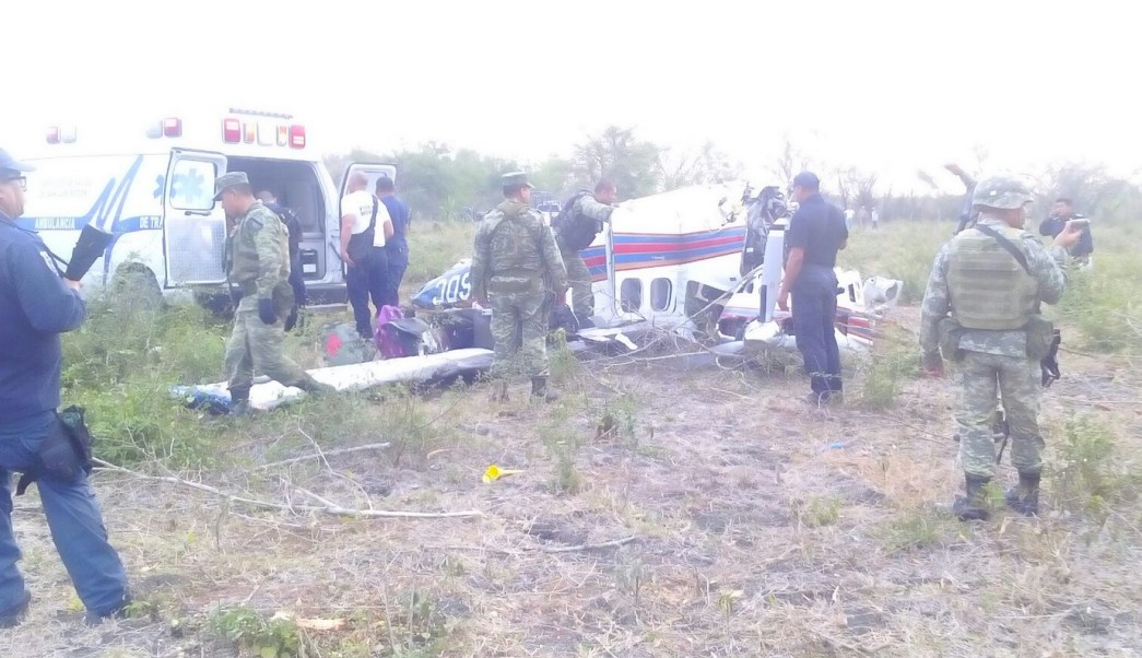 Desploma avioneta cerca de San Vicente Tancuayalab, en SLP. (Twitter @SSP_SLP)