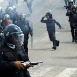 Fuerzas de seguridad antidisturbios en Venezuela (Reuters)