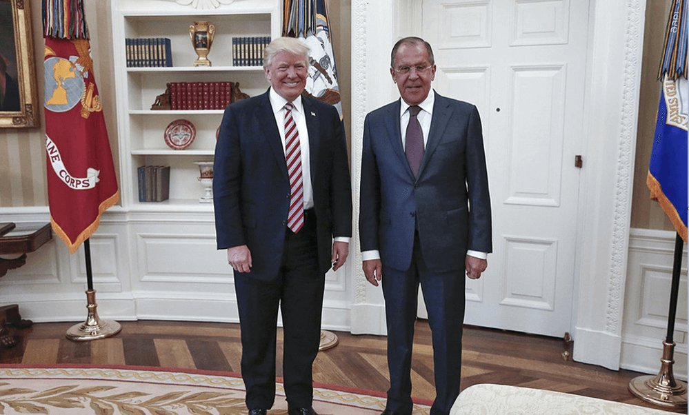 El presidente Donald Trump y el canciller ruso, Serguéi Lavrov