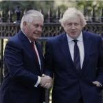 El secretario de Estado de EU, Rex Tillerson, y el ministro de Exteriores del Reino Unido, Boris Johnson