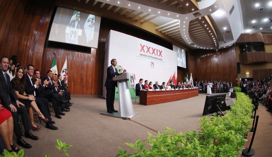 Enrique Ochoa participó en la Asamblea Extraordinaria del PRI