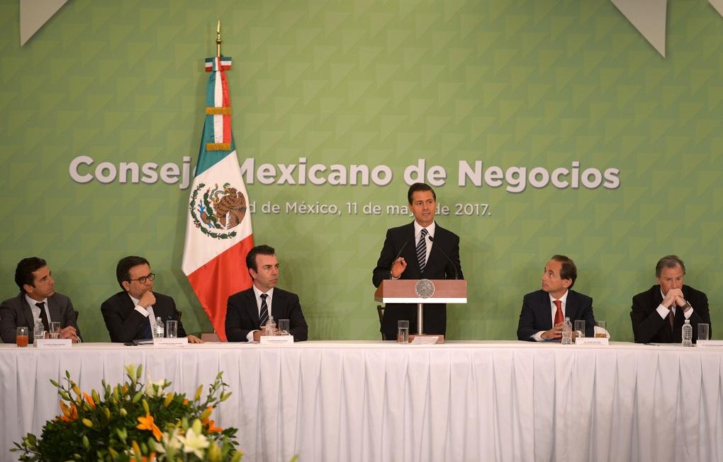 Empresarios anuncian a EPN inversión de 31 mil mdd en México