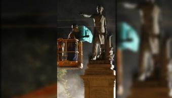 Retiro de la estatua de Jefferson Davis en Nueva Orleans