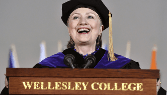 Hillary Clinton en el Wellesley College, en Massachusetts