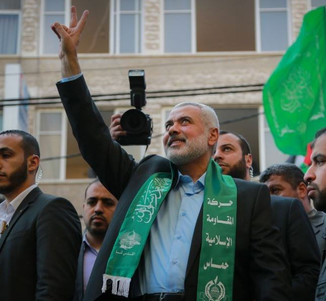 El movimiento islamista palestino Hamás elige a Ismail Haniya como su nuevo líder. (@zyiteblog)
