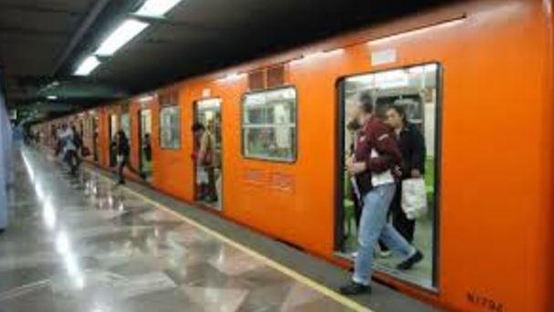 Video, Golpean a joven en metro, Operadora de metro, golpes
