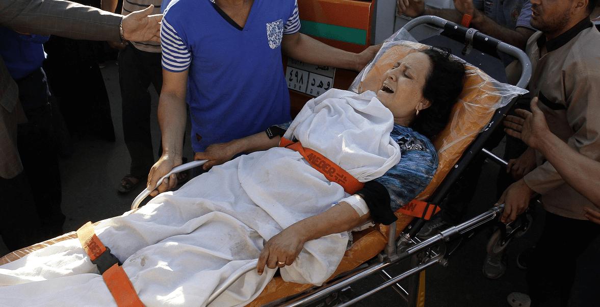 Mujer herida durante ataque a cristianos coptos en Egipto
