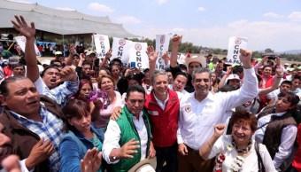 El presidente nacional del PRI durante un evento con el candidato del partido en el Estado de México (Twitter @EnriqueOchoaR)