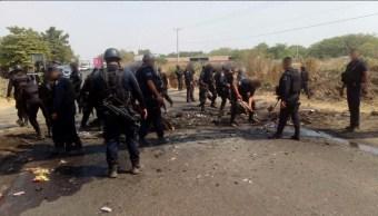 Operativos para inhibir bloqueos y quemas de vehículos en Michoacán (Twitter @MICHOACANSSP)