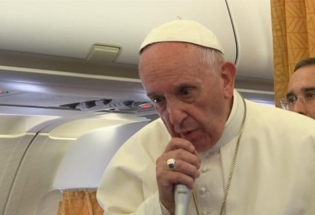 El papa insta a poner fin a la crisis de norcorea (Reuters)
