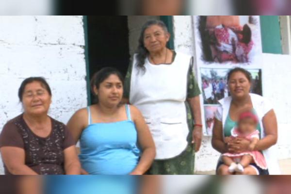 Partera de Comitán, Chiapas, atiende a embarazadas