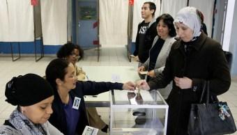 La participación en la segunda vuelta de las elecciones presidenciales de Francia es baja. (AP)