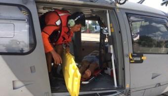 Helicoptero transporta a pescador desamayado en Puerto Progreso