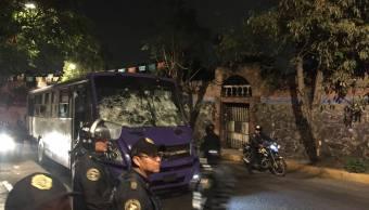 Policías de la CDMX resguardan camión