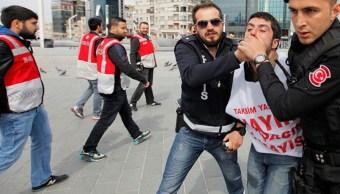 Manifestacion, dia, trabajo, turquia, policias, dispersan