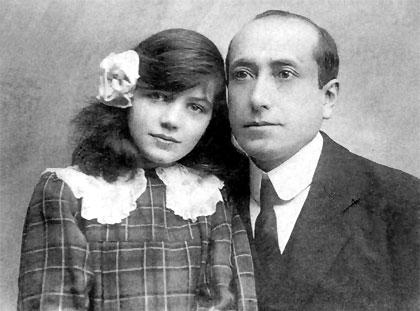 Retrato de Amado Nervo con su hija Margarita Dailliez en 1918