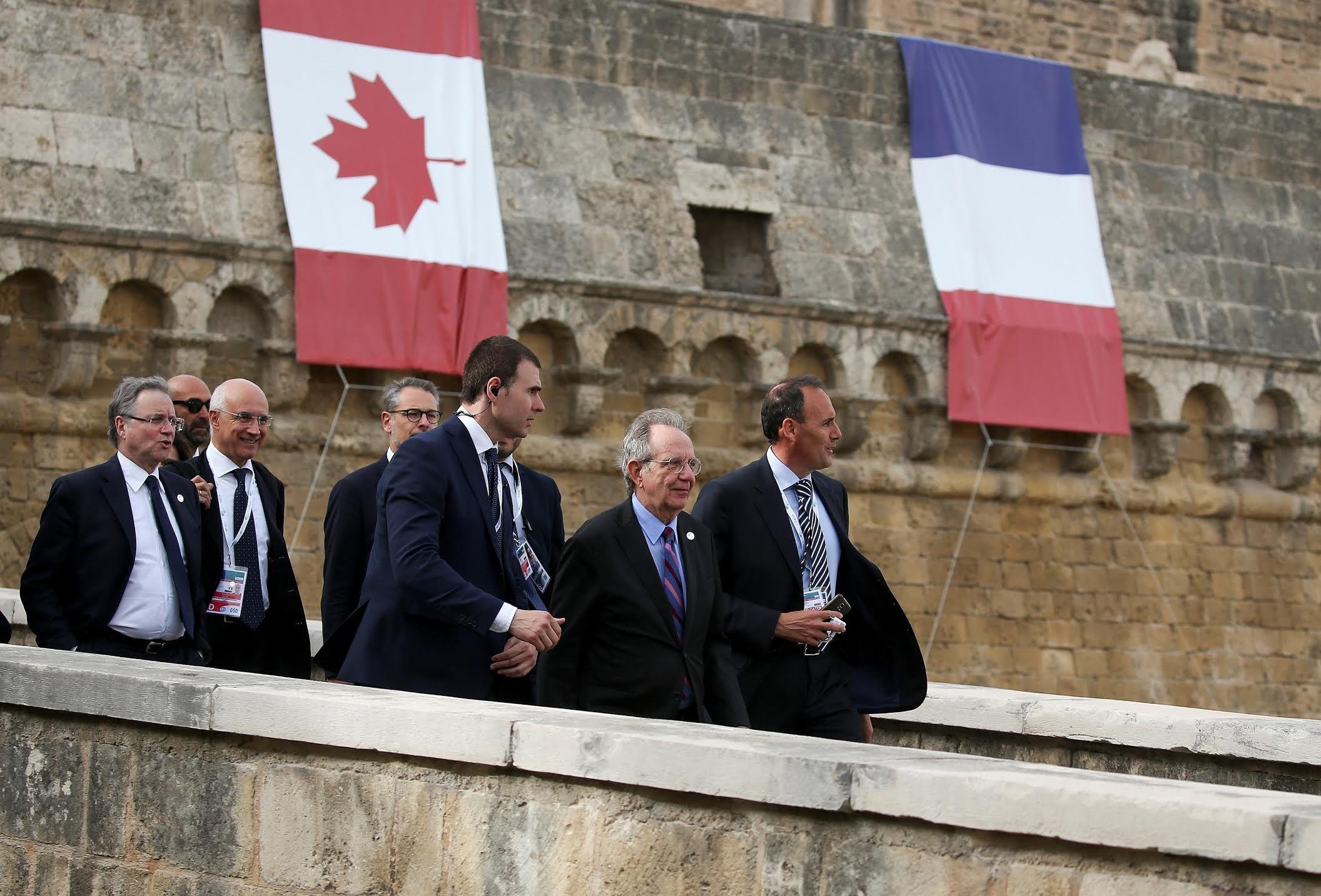 Francia pide a EEUU seguir la cooperación internacional en política económica