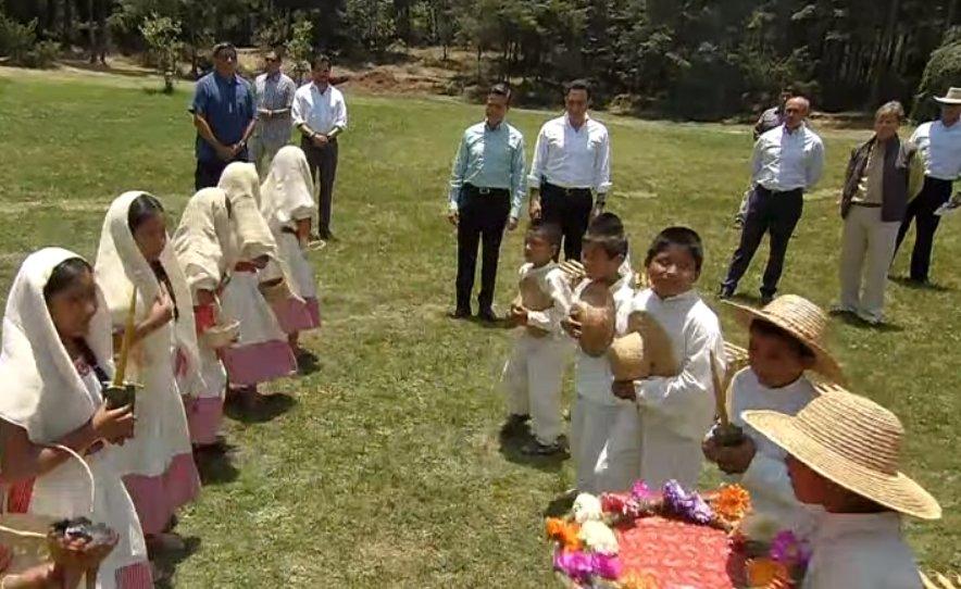 Ritual del pueblo Hnahnu, ligada a los 4 elementos que dan vida y a la naturaleza