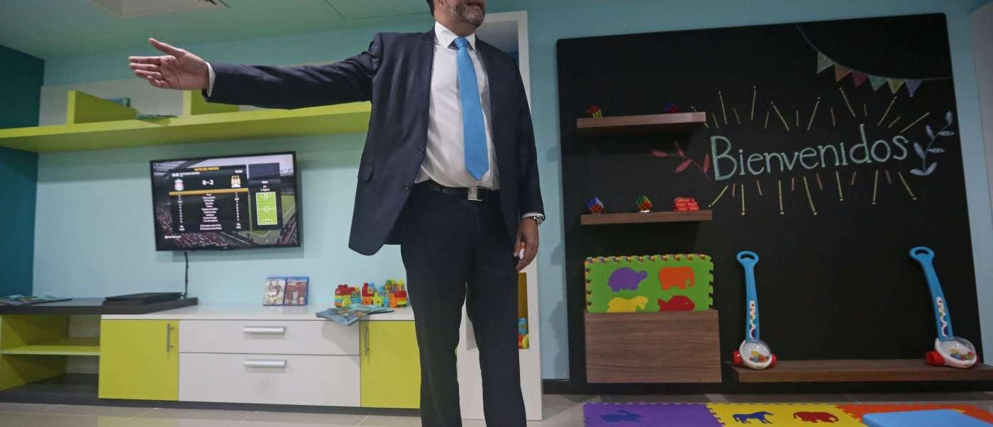Sala para niños migrantes en Guatemala, Deportados, migrantes, Deportados, Migración,