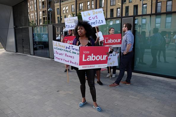 laboristas promueven el voto en brixton