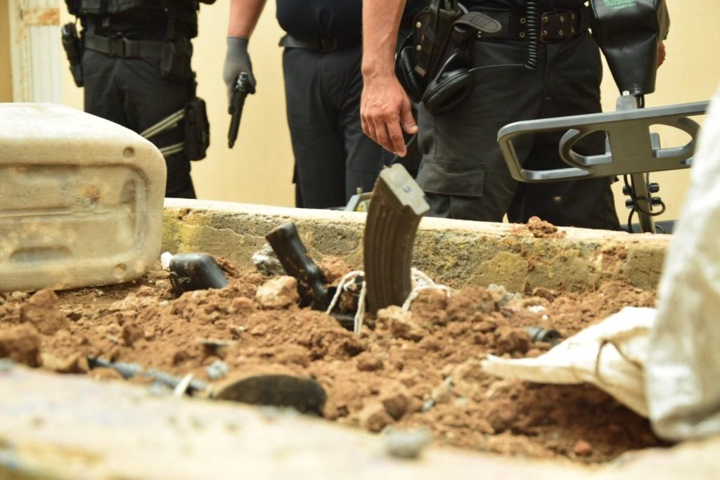 Policía de Tamaulipas localiza dos armas largas en penal de Reynosa